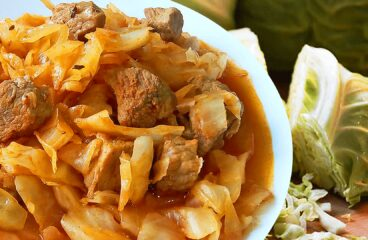 Easy Fresh Cabbage Stew with Pork (Pork and Cabbage Stew Recipe in 10 Steps)<span class=