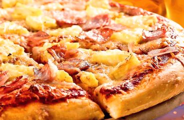 "Homemade Hawaiian Pizza (Best Hawaiian Pizza Recipe)<span class=""rmp-archive-results-widget ""><i class="" rmp-icon rmp-icon--ratings rmp-icon--star rmp-icon--full-highlight""></i><i class="" rmp-icon rmp-icon--ratings rmp-icon--star rmp-icon--full-highlight""></i><i class="" rmp-icon rmp-icon--ratings rmp-icon--star rmp-icon--full-highlight""></i><i class="" rmp-icon rmp-icon--ratings rmp-icon--star rmp-icon--full-highlight""></i><i class="" rmp-icon rmp-icon--ratings rmp-icon--star rmp-icon--full-highlight""></i> <span>4.8 (4)</span></span>"