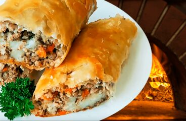 Easy Pork Pie with Mince and Potato (Homemade Pork Pie Recipe in 17 Steps)<span class=