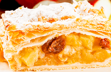 Authentic German Apple Strudel with Phyllo Pastry (Easy Apple Strudel Recipe in 17 Steps)<span class=