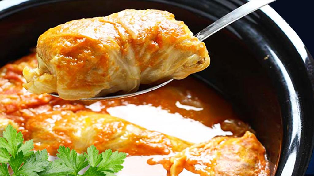 Hungarian Sweet Cabbage Stuffed Rolls Recipe