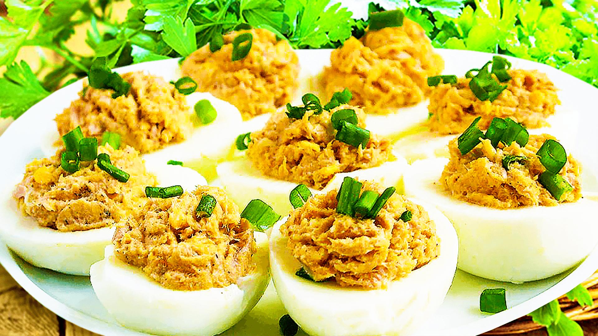 Easy Deviled Eggs Recipe to Make Tuna Deviled Eggs