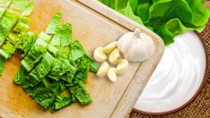 Lettuce Salad Recipe with Yogurt Dressing