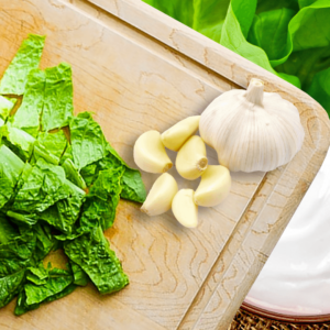 Easy Lettuce Salad with Yogurt Dressing (Lettuce Salad Recipe in 4 Steps)