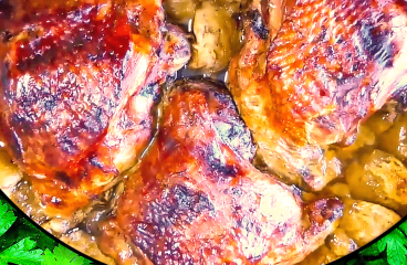 Easy Roast Turkey Thighs with Apple Sauce (Roasted Turkey Thighs Recipe in 14 Steps)<span class=