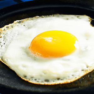 How to Fry an Egg with Oil in the Pan (Fried Egg Recipe)