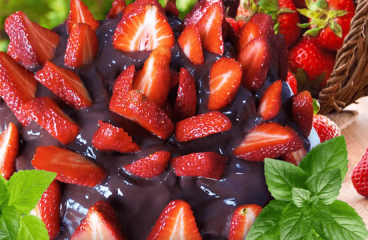 Simple Strawberry Chocolate Cake (Strawberry Cake Recipe in 16 Steps)<span class=