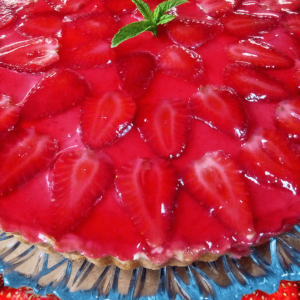 Easy Strawberry Tart Cake (Strawberry Cream Cake Recipe in 30 Steps)