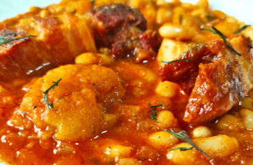 Authentic Bean Goulash with Smoked Bacon and Apples (Hungarian Goulash Recipe in 14 Steps)<span class=
