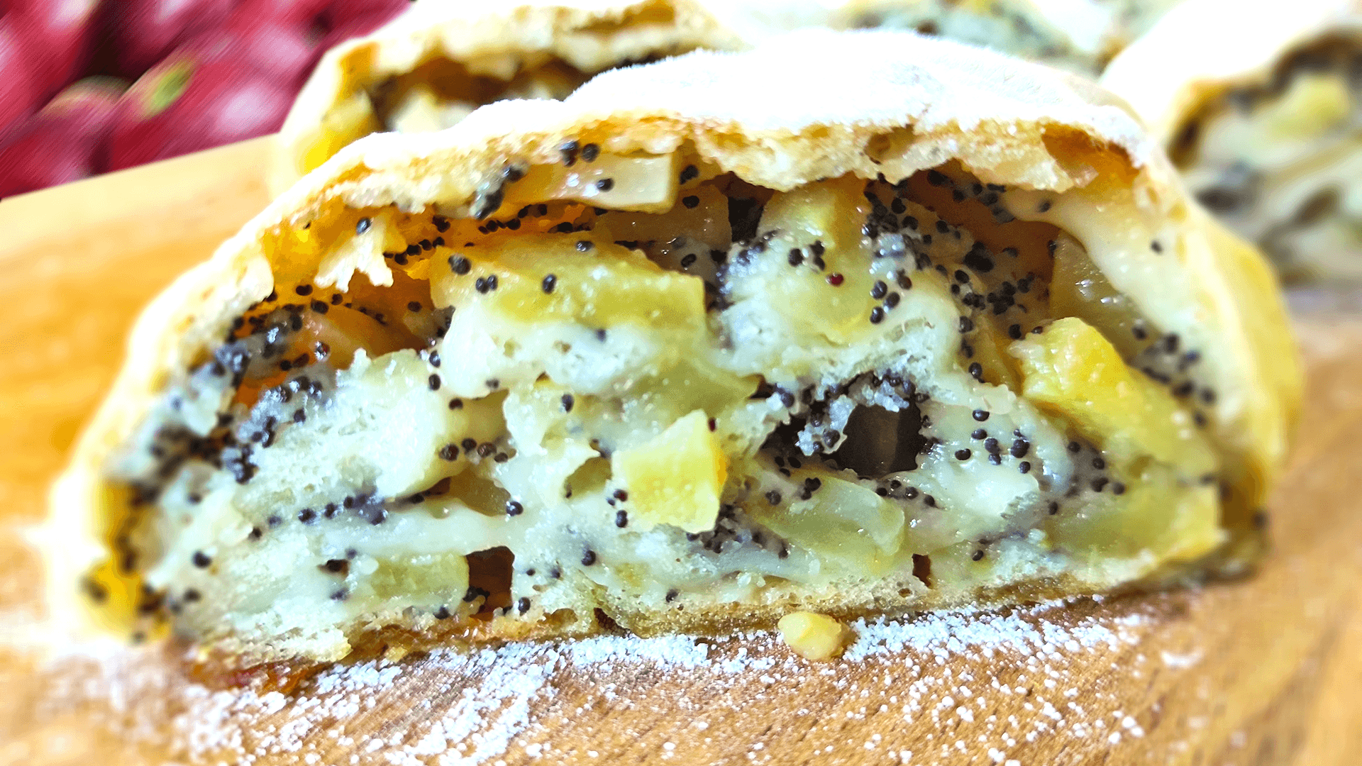 Rolled Apple Cake with Poppy Seeds